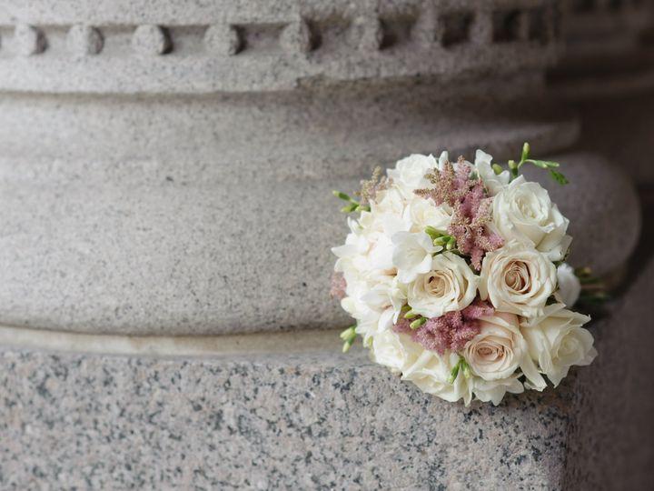 Tmx 0086 Valtcheva 51 1049403 V1 Milwaukee, WI wedding transportation