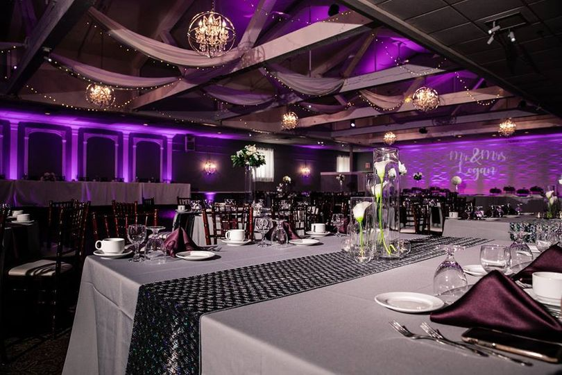 Table setting and purple motif