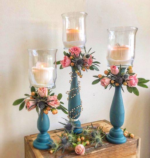 Accent floral decor candles