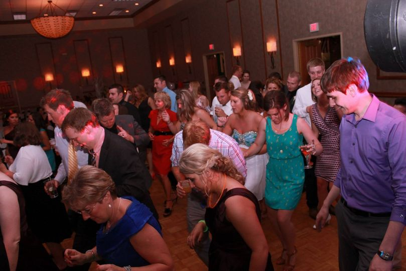Yo Dj Entertainment - DJ - Appleton, WI - WeddingWire