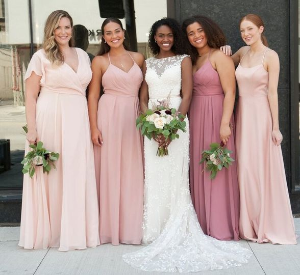 Romantic tones for the bridal party