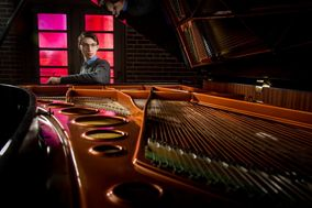 Jordan Mathews Pianist