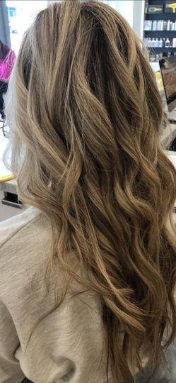 Blowout with curls