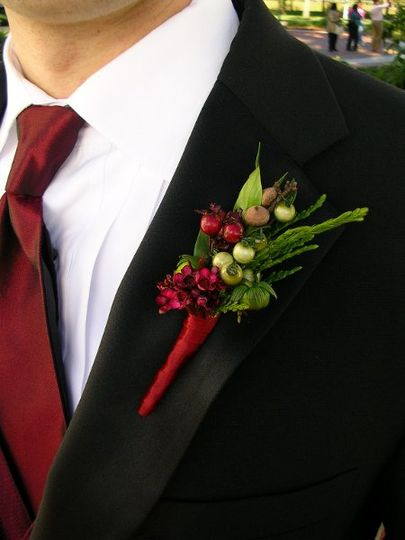 Burgundy berries with matching ribbon