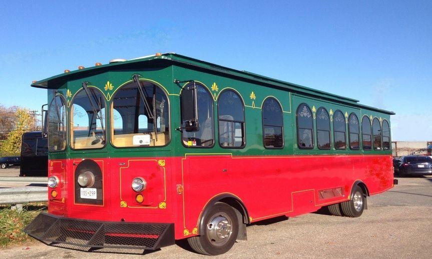 Tram vehicle