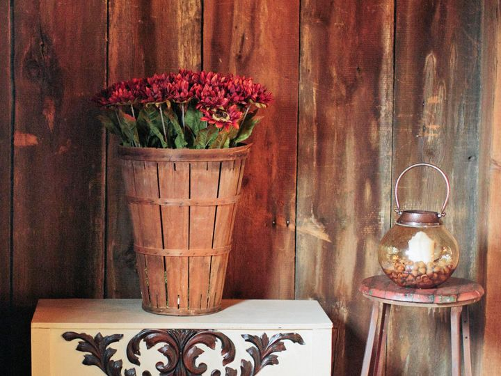 Tmx 1436386376253 Ornate Chest 2 Intercourse wedding rental