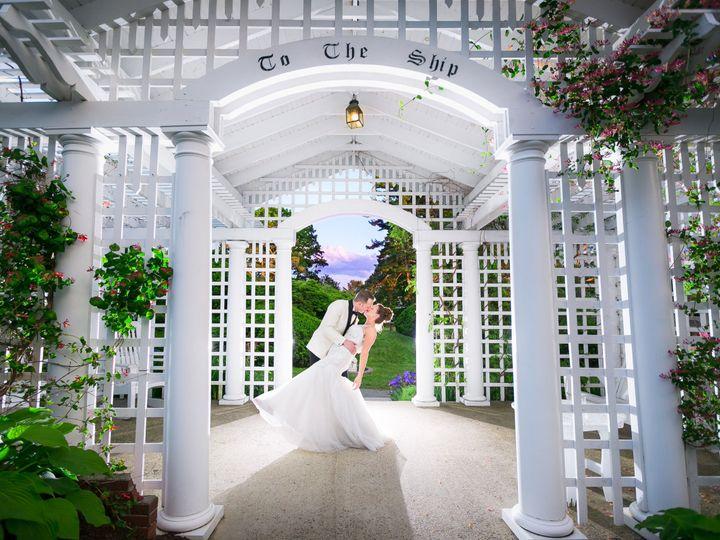 Tmx 1533655843 Be2f83dc3c70d2dc 1533655840 87bfd4b1a30749bd 1533655834230 7 LaneseWed060918HRZ Deerfield, NH wedding photography
