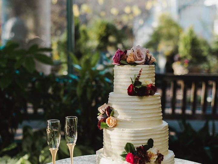 Tmx 49213176 2154996144811422 6155983261081272320 N 51 1038503 Alexandria, VA wedding cake