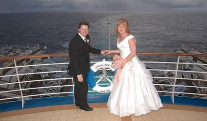 Cruising Weddings 1