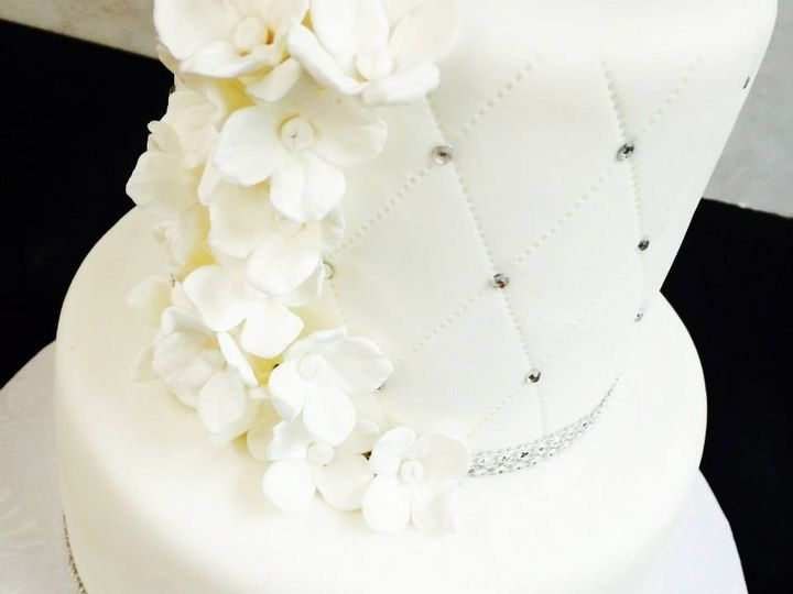 Tmx 1453320321694 104874702988707402862751086694521368690249n Massapequa wedding cake