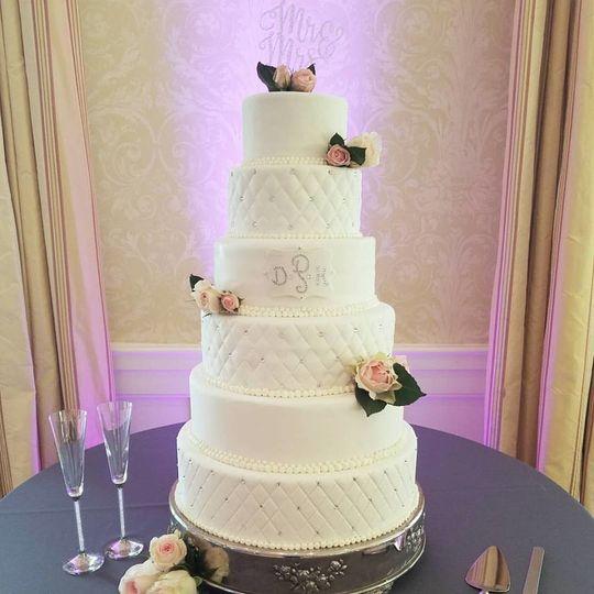 800x800 1508972827807 6 Tier Cake