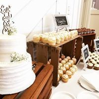 Cake, cupcakes and crates!