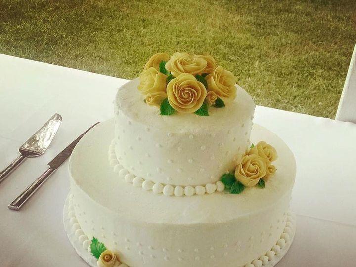 Tmx Weddingwhite 51 1067603 1559158597 Lewiston, ME wedding cake
