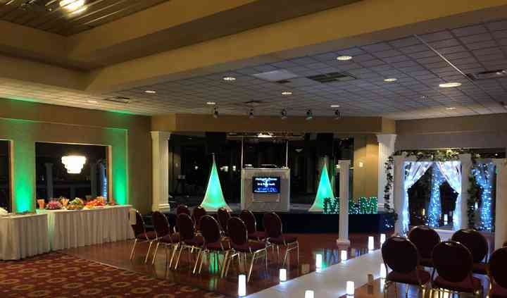 Michigan's Premier DJ & Photo Booth