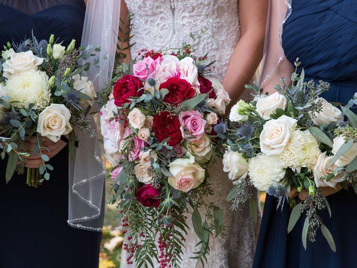 Tmx 1518456054 0613a1e76b181caa 1518456052 F95d4ccd2bf2e93c 1518456040715 12 Face Photography  Holland, MI wedding florist