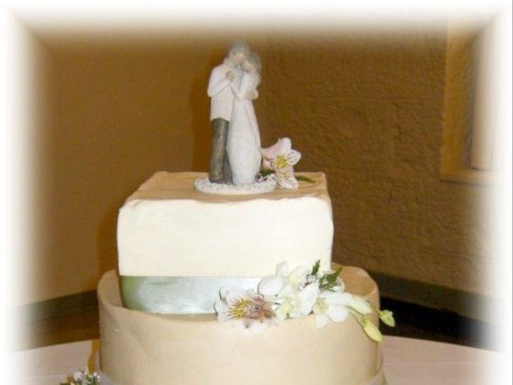 Tmx 1227325061250 Green Stansbury4 5 08 Clinton, IA wedding cake
