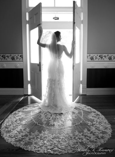 Ben + Brittany Bridal Portraits (Emily K Timmons Photography, Venue: Zidler Mill)