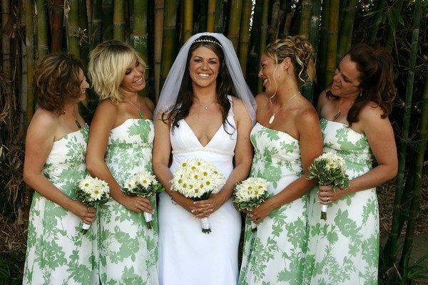 Bride and her bridesmnaids