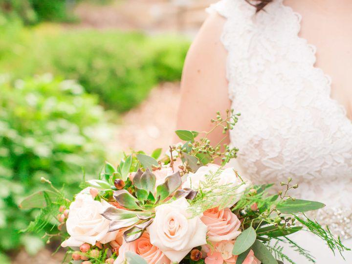 Tmx 1530490570 6431bb404a708d7e 1530490567 B9b6cd7ac59d22d1 1530490552712 16 MigsFAVS 121 Kirkland, WA wedding florist