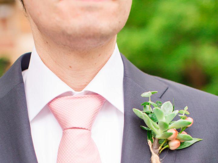 Tmx 1530490570 98c57ccaf1b20f6d 1530490566 890a815203558f4f 1530490552705 13 MigsFAVS 82 Kirkland, WA wedding florist