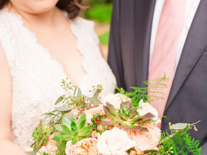 Tmx 1530490571 Fef509611d7cd20b 1530490566 D20236d25e9de3ac 1530490552711 15 MigsFAVS 109 Kirkland, WA wedding florist