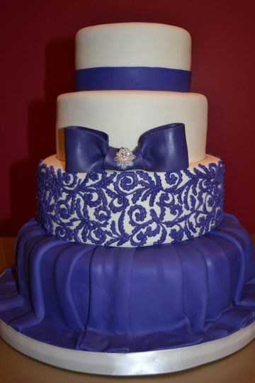 Royal blue cake design