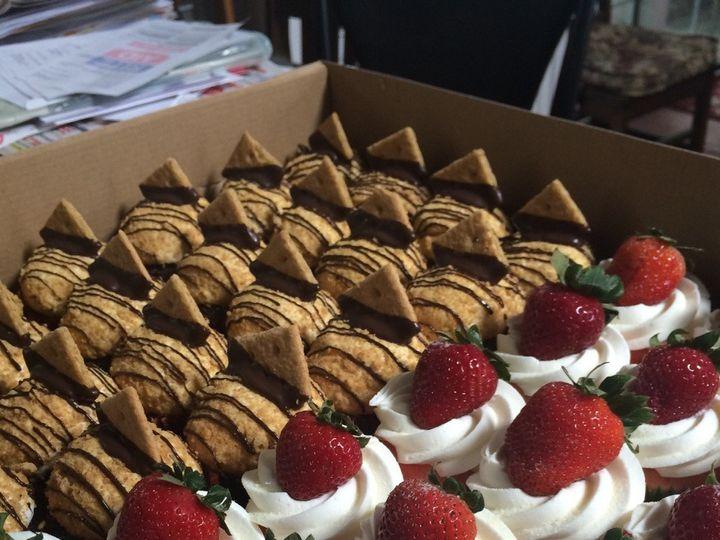 Tmx 1452543607012 Img0653 Warwick, Rhode Island wedding cake