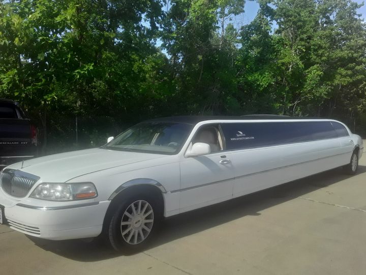 Tmx 20200815 163808 51 1903803 160011151679611 Hudson, OH wedding transportation