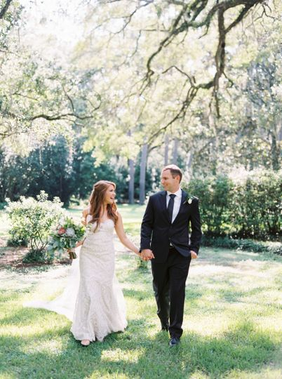 Rachel & Cory wed in Eden Gardens State Park | Image courtesy of Cassidy Carson Photography