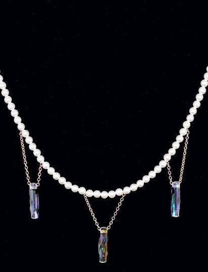 Column Necklace