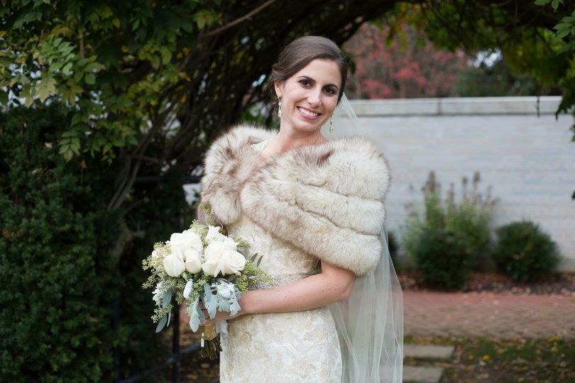Winter wedding with family heirloom fur stole.