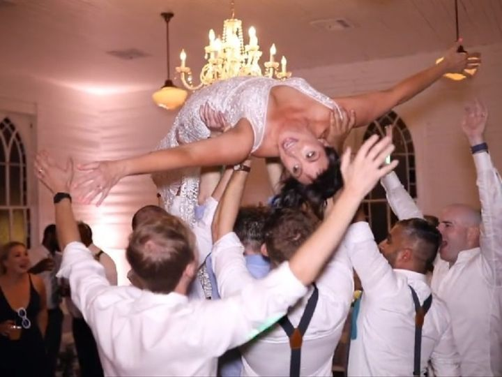 Tmx Bride Crowd Surf 51 588803 160136193111951 Austin, TX wedding dj