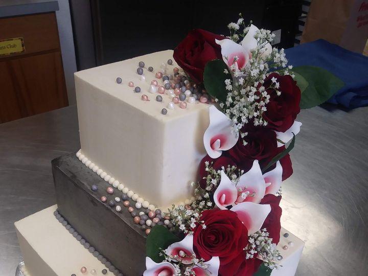 Tmx Three Tier Square Cake With Fondant Pearls Fondant And Fresh Flowers 51 1000903 Portland, OR wedding cake