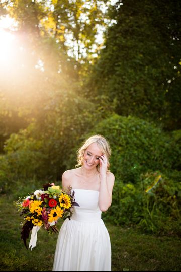 Kristen's bridal photos at highland brewing co