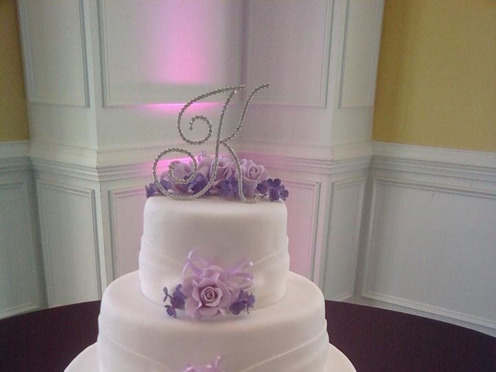 Tmx 1339011250190 P00072 Falls Church, District Of Columbia wedding cake