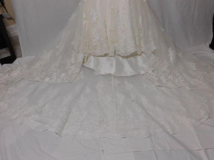 Tmx 1528463902 C452f3ae8ec6f7a5 1528463899 7d026d7283495373 1528463878514 5 Wedding Gown Clean Orlando, FL wedding dress