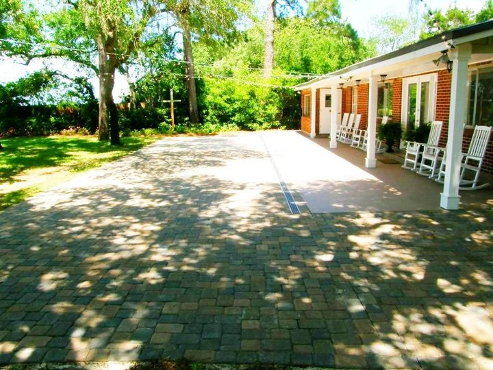 Porch venue space