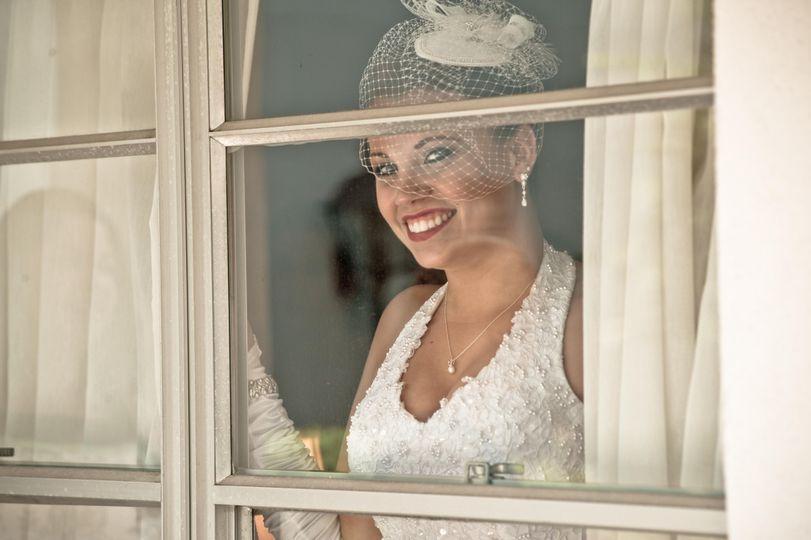 20's style wedding bride