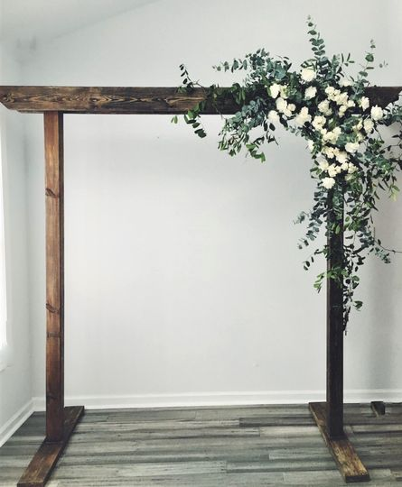 Rentable Wood Arch