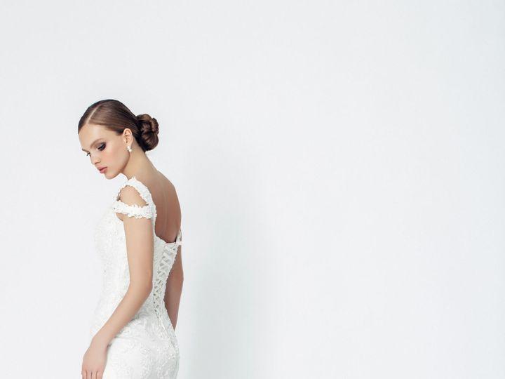 Tmx 1519403133 E2e70c7bdc514402 1519403121 0d00fbf8e204738d 1519403117707 2 IStock 690982732 Manhasset wedding dress