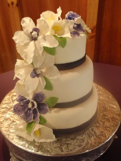 Purple and White Orchids cake