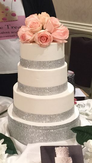 Simple Cake with Roses