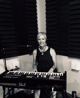 Christine Davis, keyboard