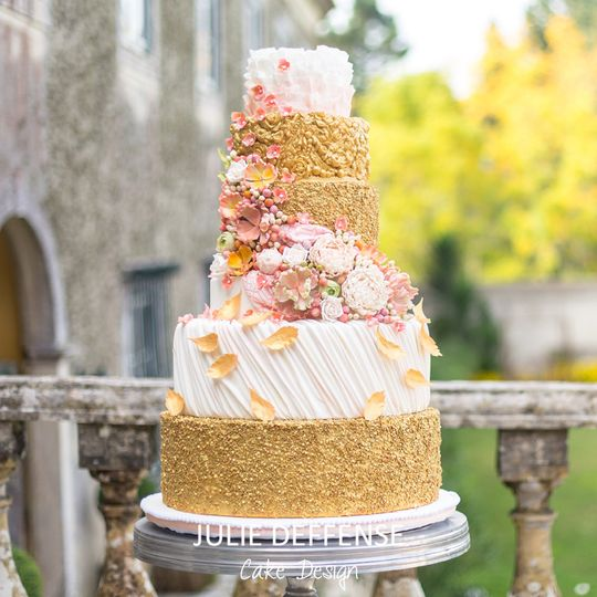 Wedding cake with gold layers