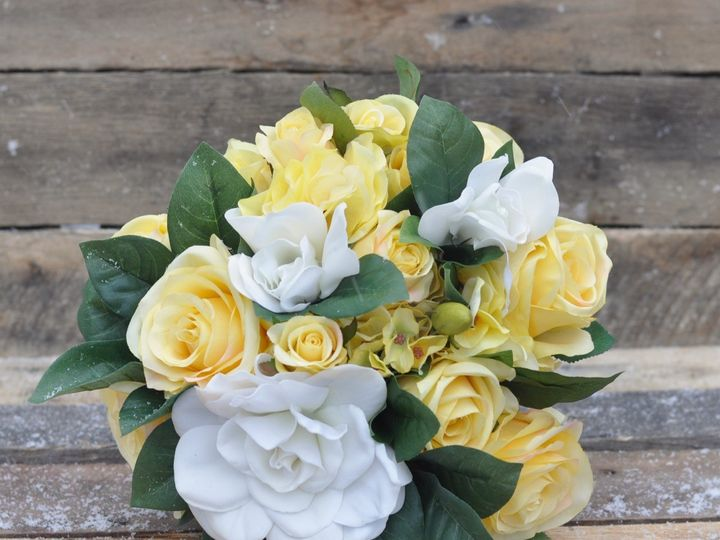 Tmx 1454789408367 Yellow Rose Gardenia And Greenery Bouquet   1 Wayne wedding florist