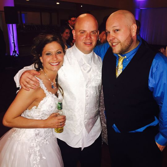 Emcee Harry with the new Mr and Mrs Sevick!