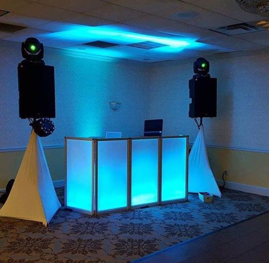 Basic DJ package with party lights