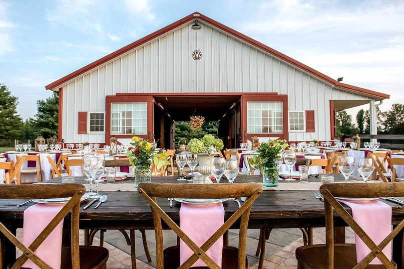barn wedding by awesomesauce photography