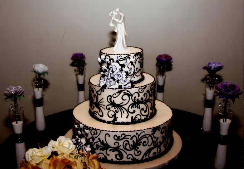 Aggies Bakery and Cake Shop Wedding Cake West Allis WI