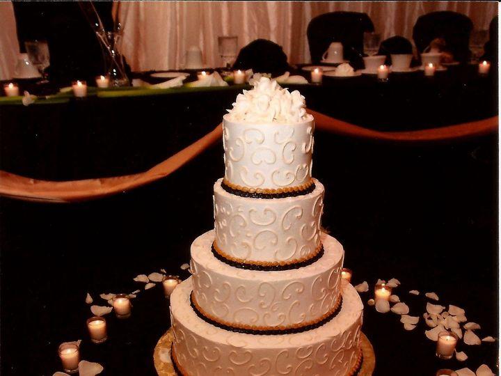 Tmx 1415975459312 Aggies Cake 5 Milwaukee, Wisconsin wedding cake